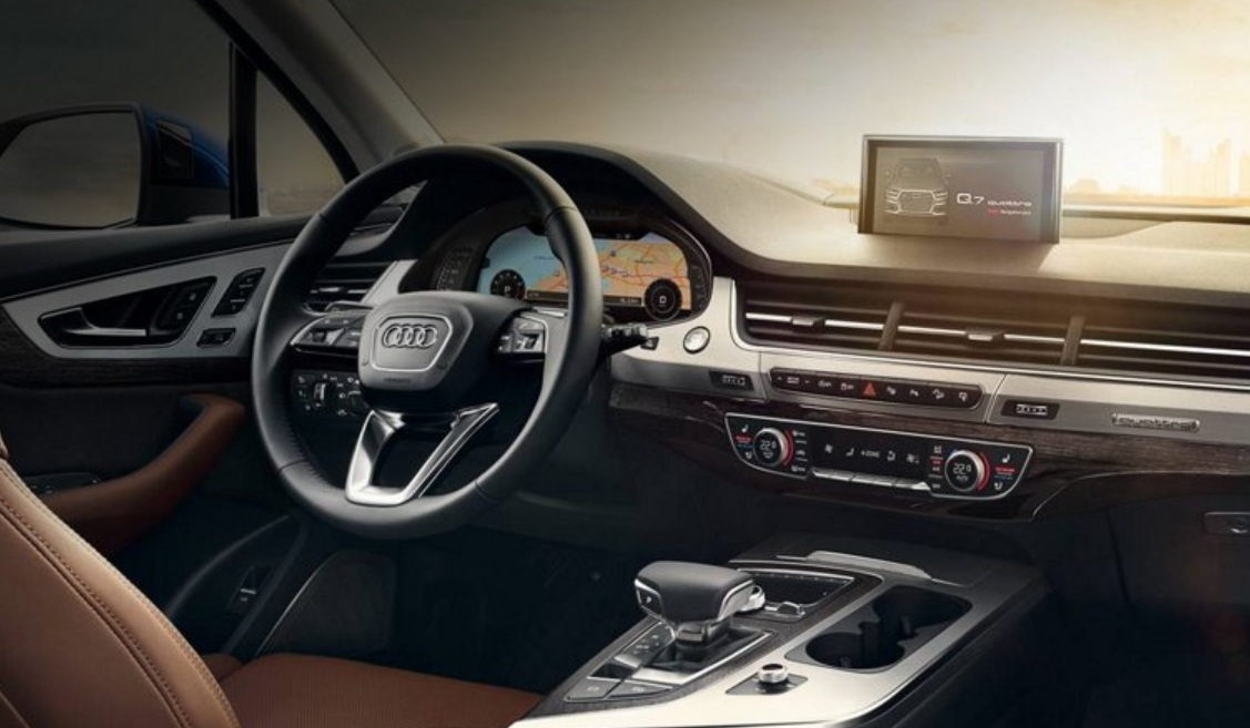 Audi_Q7_SiriusXM_connected_vehicle