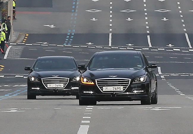 Hyundai_Genesis_autonomous_South_Korea