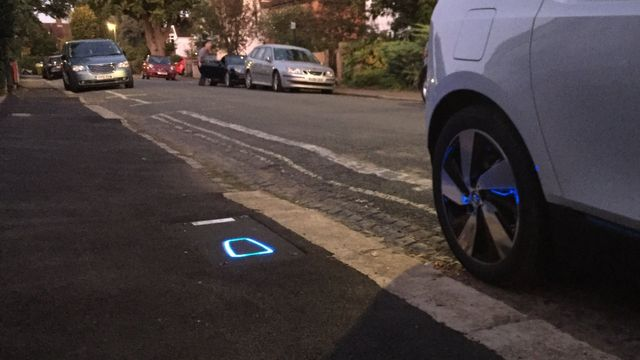 Photo of On-street pop-up EV charging hub trial proves a big success for Urban Electric