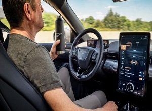 Photo of Ford Co-Pilot360™ technology adds Hands-Free driving, over-the-air updates and more to help Ford customers feel more relaxed and confident