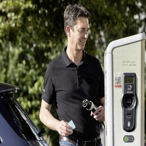 EQ Power: Plug-in hybrids deliver everyday electric mobility