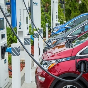 General Motors and EVgo aim to accelerate widespread EV adoption by adding fast chargers nationwide