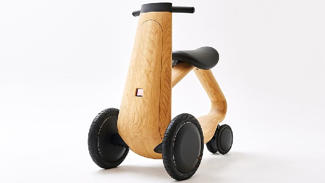 Japanese Wooden electric scooter is designed to solve mobility issues!