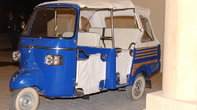 Tamil Nadu Chief Minister K Palaniswami flagged off 13 types of solar and electric powered rickshaws, driven by women as a part of an initiative to protect the environment and empower women. K Palaniswami signed an agreement with MAuto Electric Mobility in Dubai during his state visit last year. The chief minister offered the government's support to the company on several facilities including, manufacturing units and charging infrastructure. The agreement was part of the government's plan to attract foreign investments to create new job opportunities in the state. The project will help create over 5,000 new job opportunities with an investment of around ₹1 billion (~$13.62 million), according to the press statement. According to MAuto Electric, the company will roll out around 4,000 electric rickshaws in Chennai in several phases by the end of this year. It says it is the first company to receive the license to start its operations from the government. The solar and electric powered rickshaws are equipped with several facilities such as CCTV cameras, GPS, and panic buttons. M Auto is the first firm to receive a license for starting the operation.
