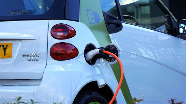 Plug-in hybrid vehicles have an important role to play for electrification of personal transport