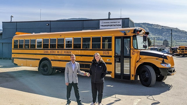 IC Bus delivers electric CE school buses to Canada