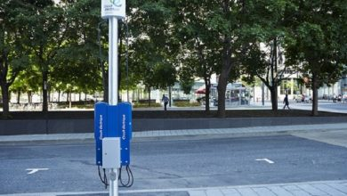 Facilitating electric vehicle charging in urban centers with 4,500 new stations