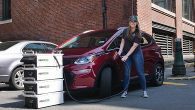 SparkCharge unveils ChargeUp mobile app and Roadie mobile EV charger