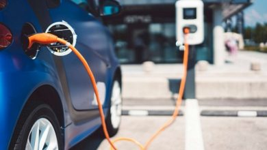 Maharashtra CM directs formulation of the revised policy to promote electric vehicles