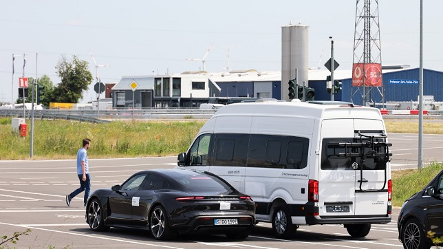 HERE, Vodafone and Porsche partner on real-time warning system